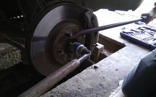 Как поменять тормозной диск на ниссан икстрейл
