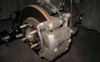 Как поменять тормозные колодки и диски на хендай солярис