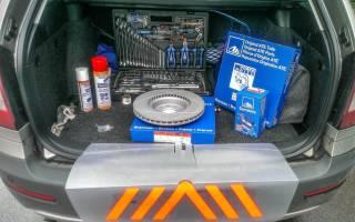 Как снять передние тормозные диски если они прикипели