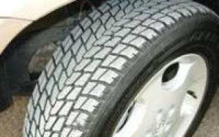 Как накачать бескамерную шину насосом