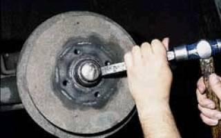 Как снять передний тормозной диск ауди 80